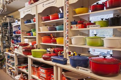 Le-Creuset-Display