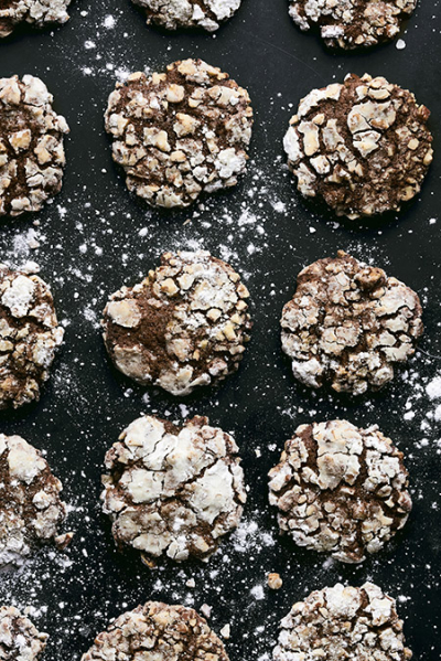 450-Sweet_Chocolate -Banana -and-Pecan-Cookies-(1)