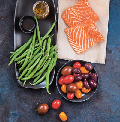 450-Skillet_Roasted-Salmon-Tomatoes-Green-Beans-before