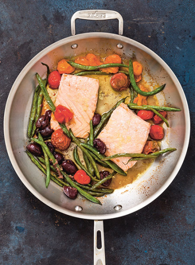 450-Skillet_Roasted-Salmon-Tomatoes-Green-Beans-after