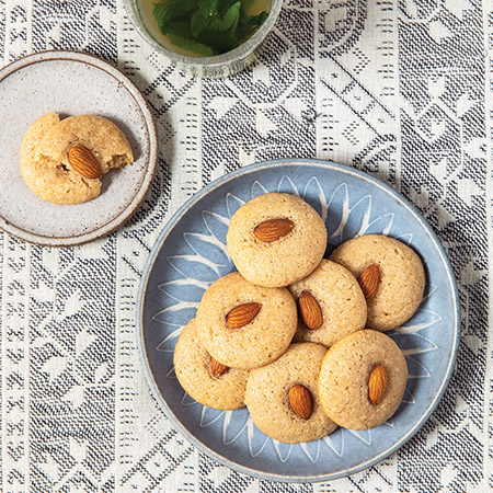 450-Chewy-Iraqi-Almond-Cookies