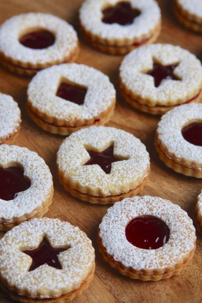 3_Linzer Cookies